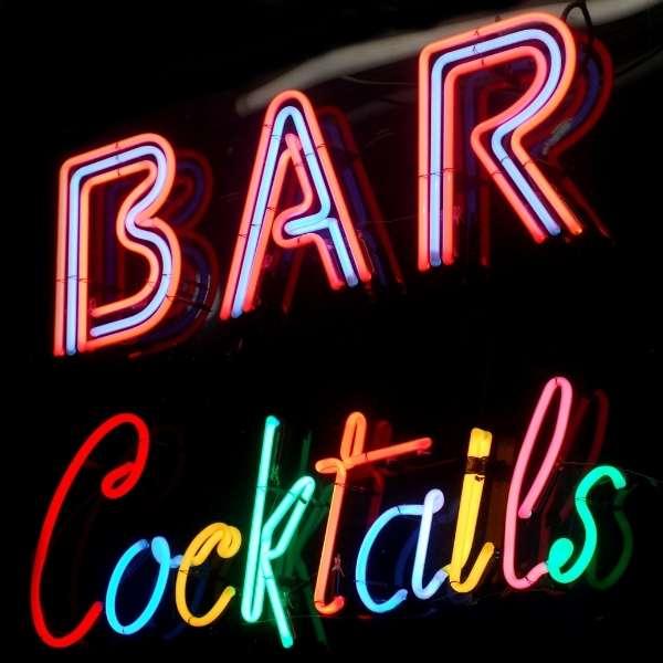 bar-cocktails-schild