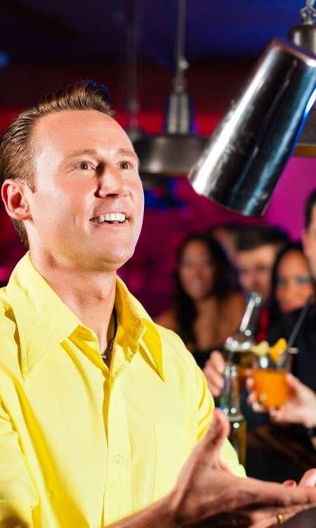 cocktailshow-vom-showbarkeeper-beim-showbarkeeping