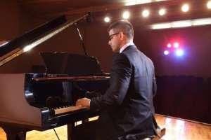 pianist am flügel