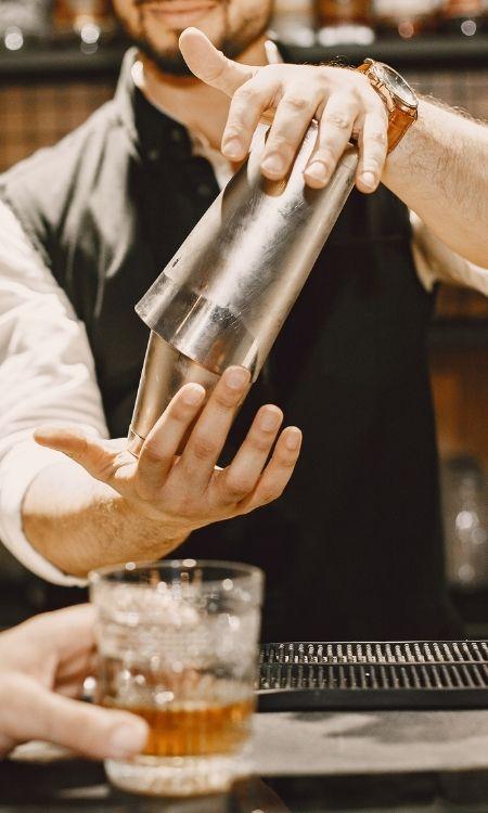 showbarkeeper-mit-cocktailshow