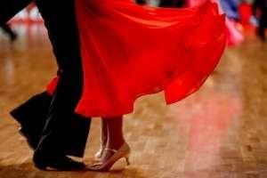 standardtanz-lateinamerikanischer-tanz